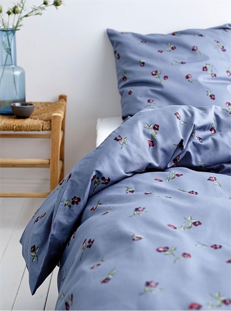 sødahl sengetøj Södahl Pansy Sengetøj 140x200 China Blue sødahl sengetøj